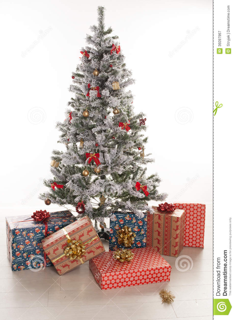 Christmas Tree With Presents Clipart | Clipart Panda ... |Wrapped Christmas Presents Under The Tree