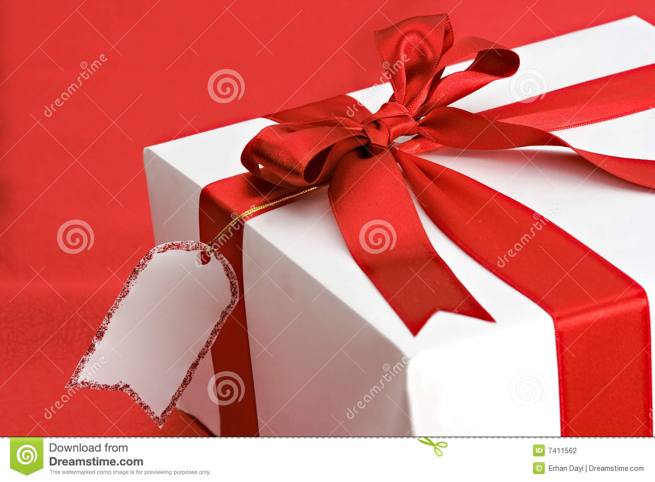 Gift Package With Blank Name Card Stock Photography - Image: 7411562