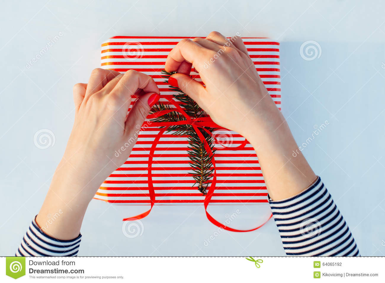 women gift wrapping for fuck