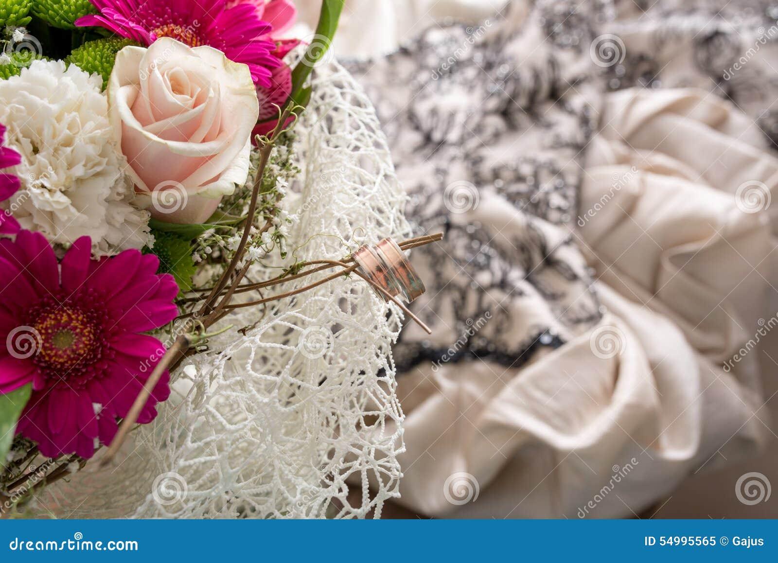 Gifta sig för cirklar för bukett brud-