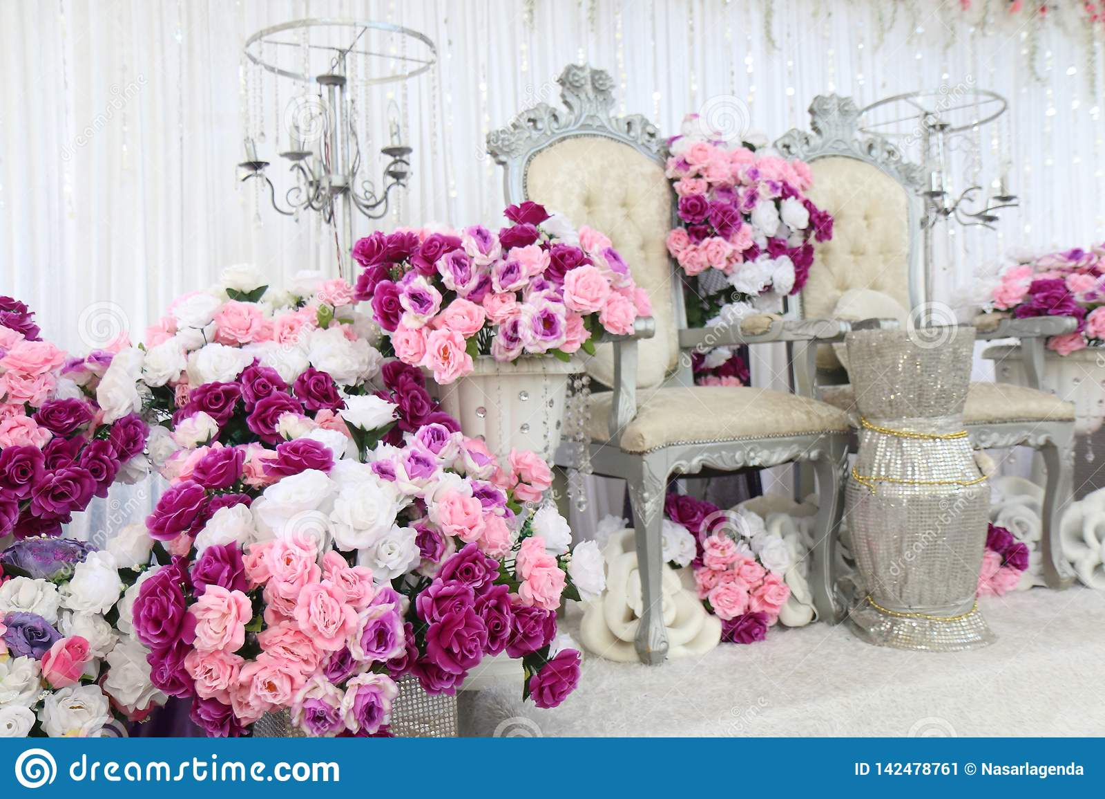 Gifta sig område med blommor, ställe för att gifta sig