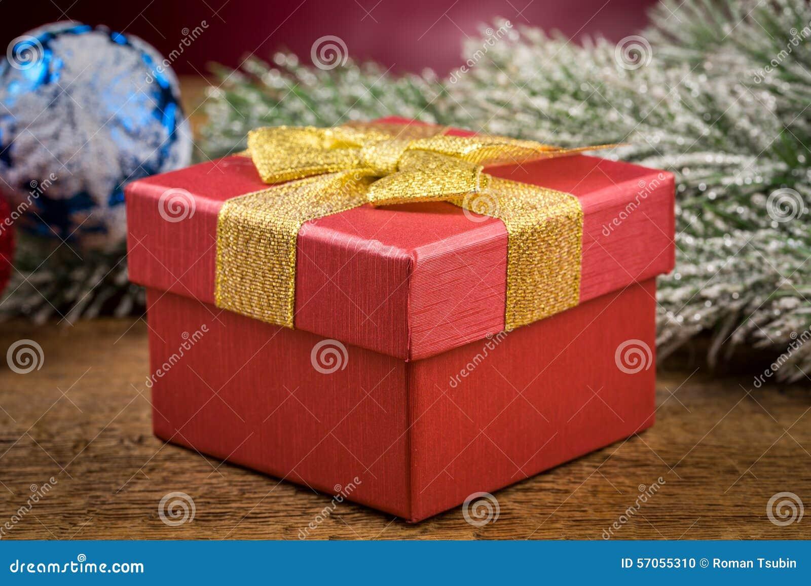 Giftdoos met Kerstmiselementen