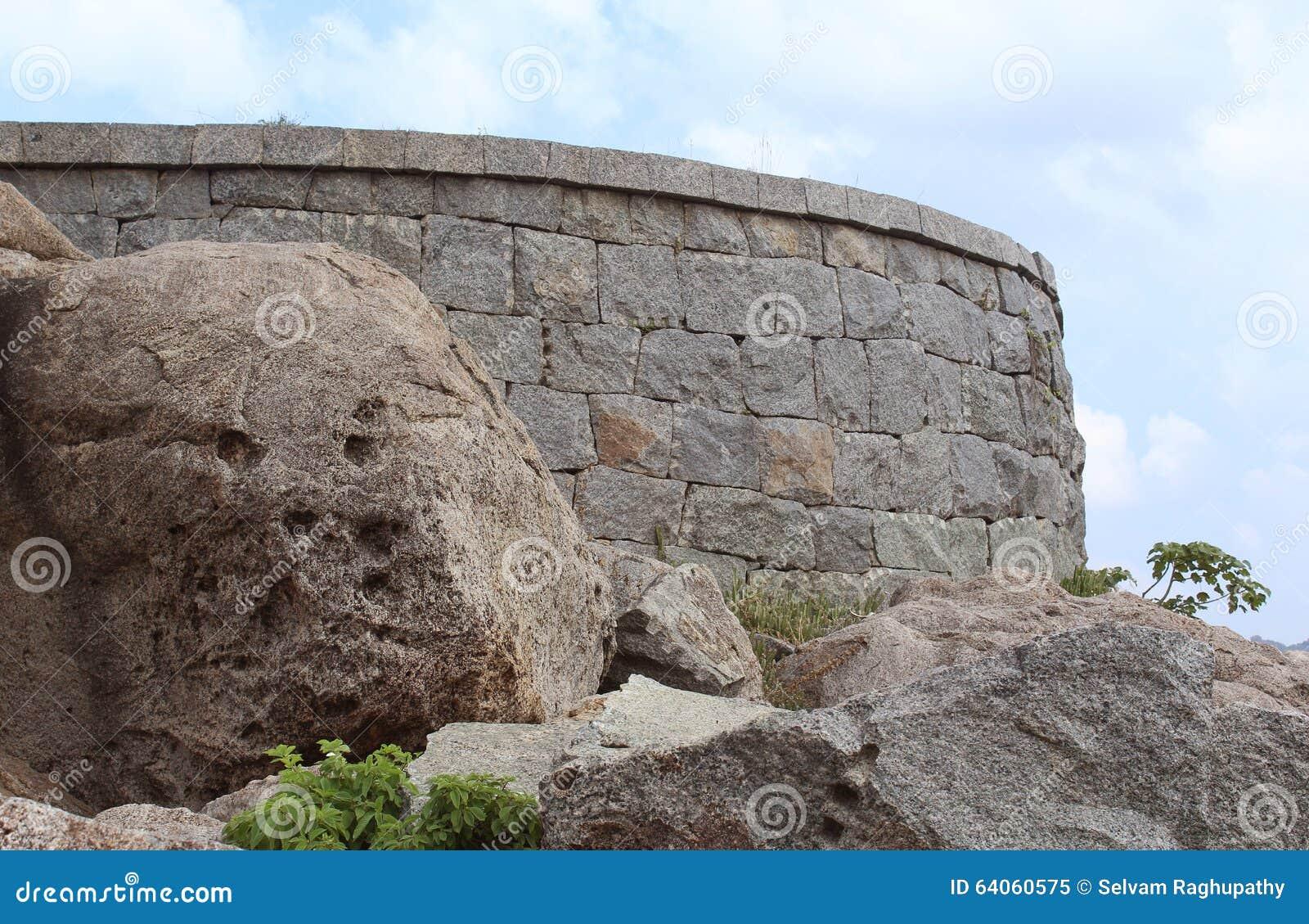 Gingee fortu ściana