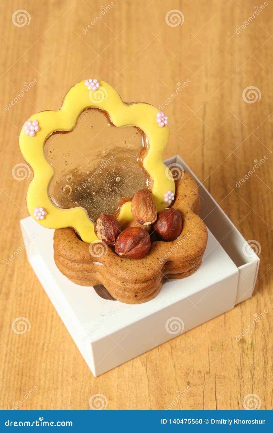 Ginger Cookies Fait Maison Sous Forme De Boite A Bijoux Sur Le Fond En Bois Vue De Plan Rapproche Photo Stock Image Du Maison Ginger 140475560