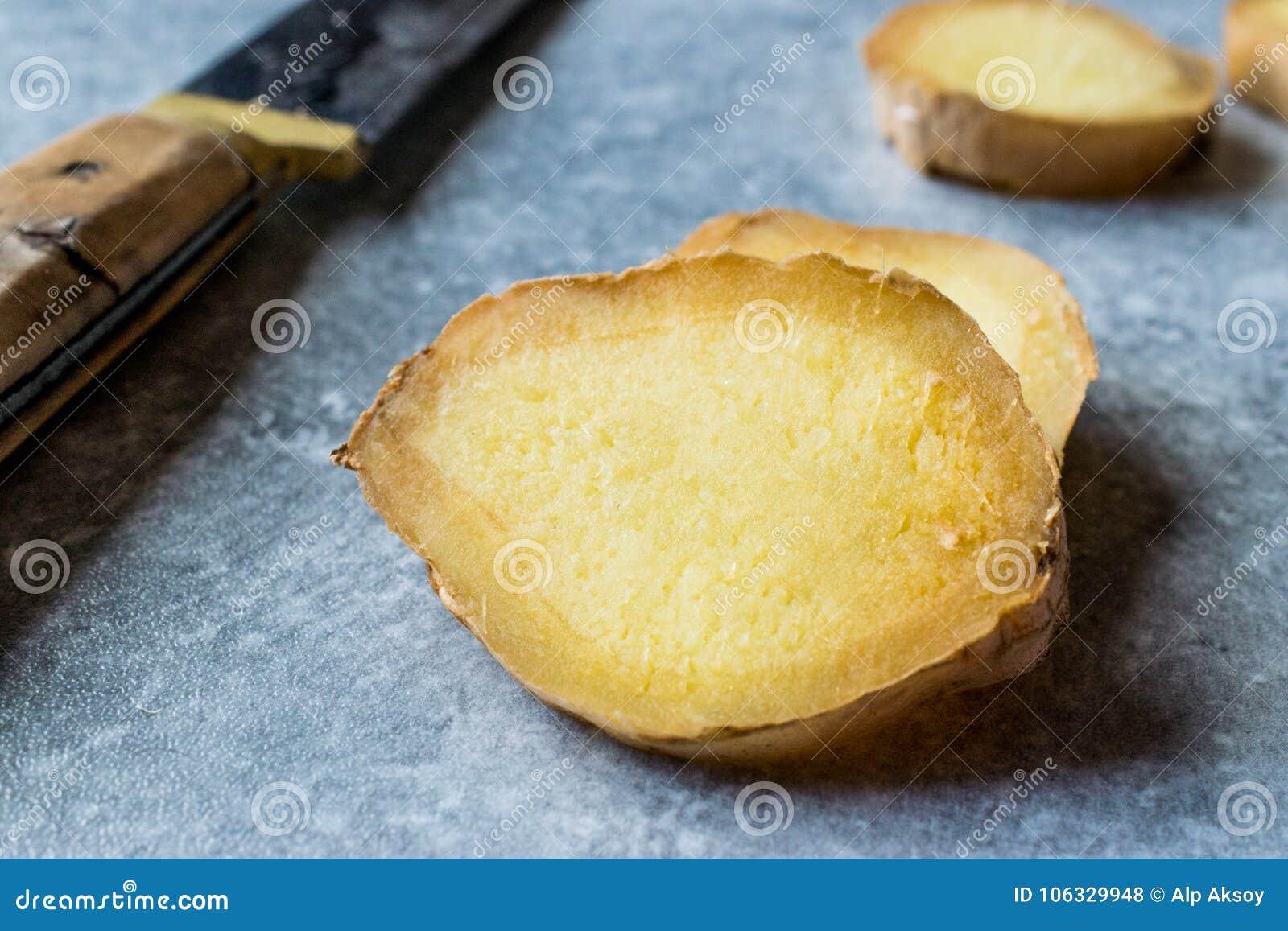 Ginger Root Ready découpé en tranches organique cru à employer