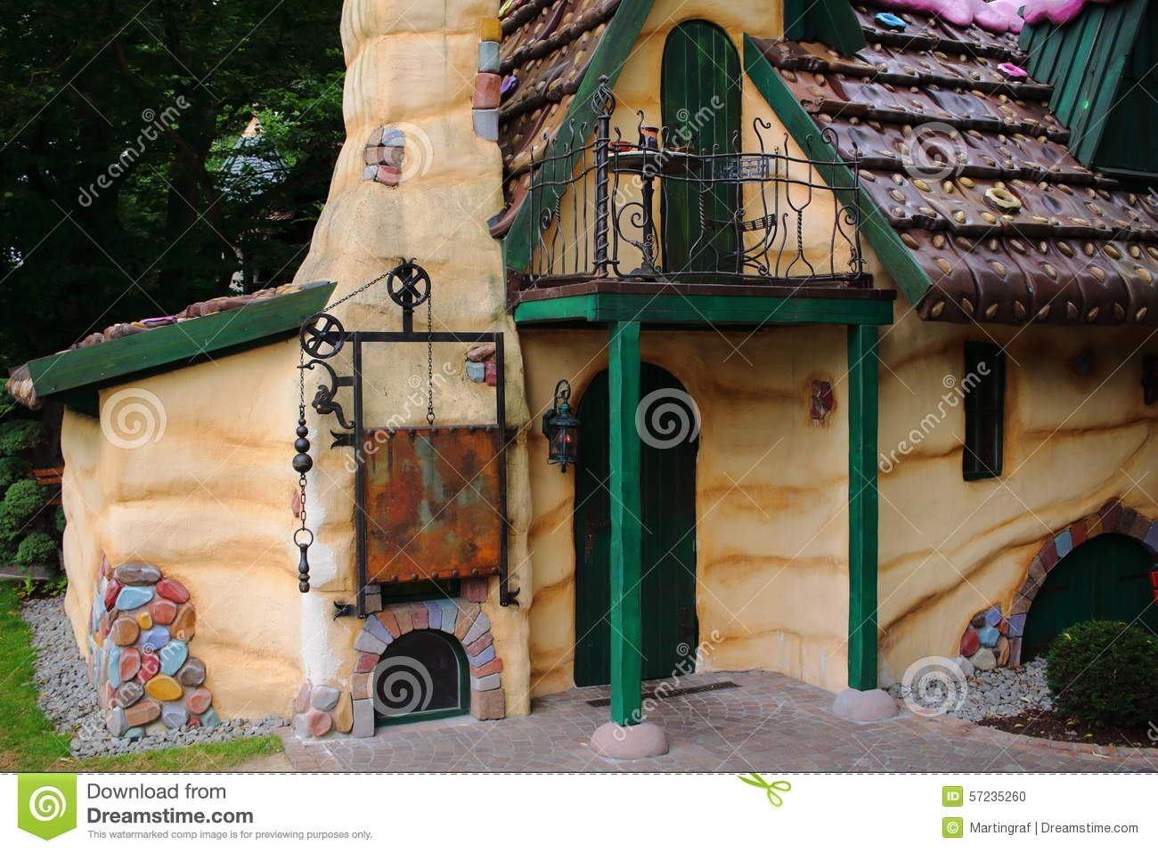 Gingerbread house stock photo image 57235260 - Hansel home ...