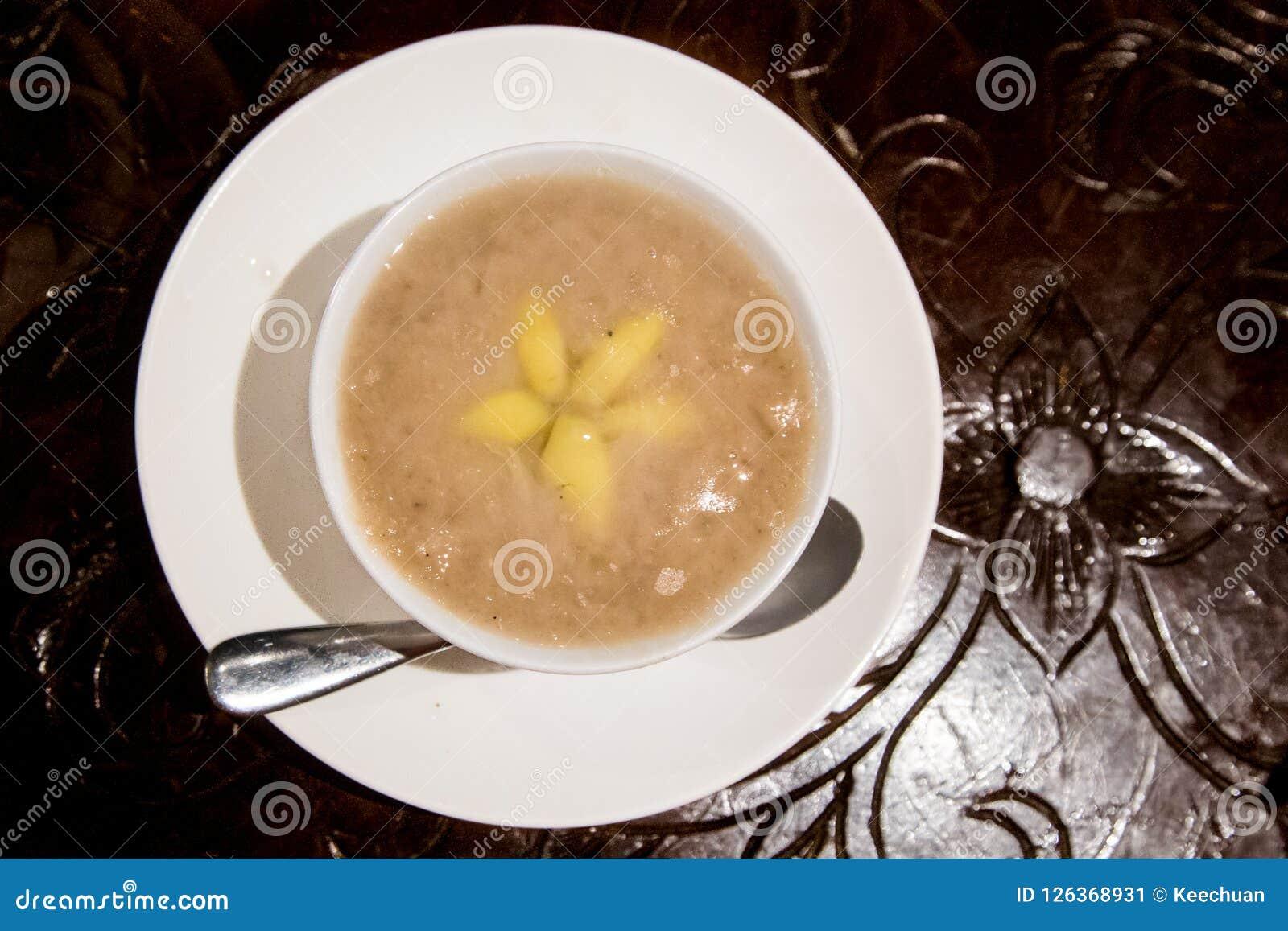 Ginkgo van het yamdeeg of orh nee, traditioneel Chinees Maleisië desser
