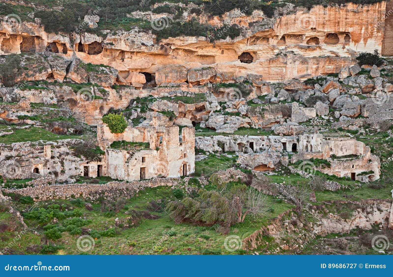 Ginosa tarente puglia italie paysage de la vieille for Paysage de ville