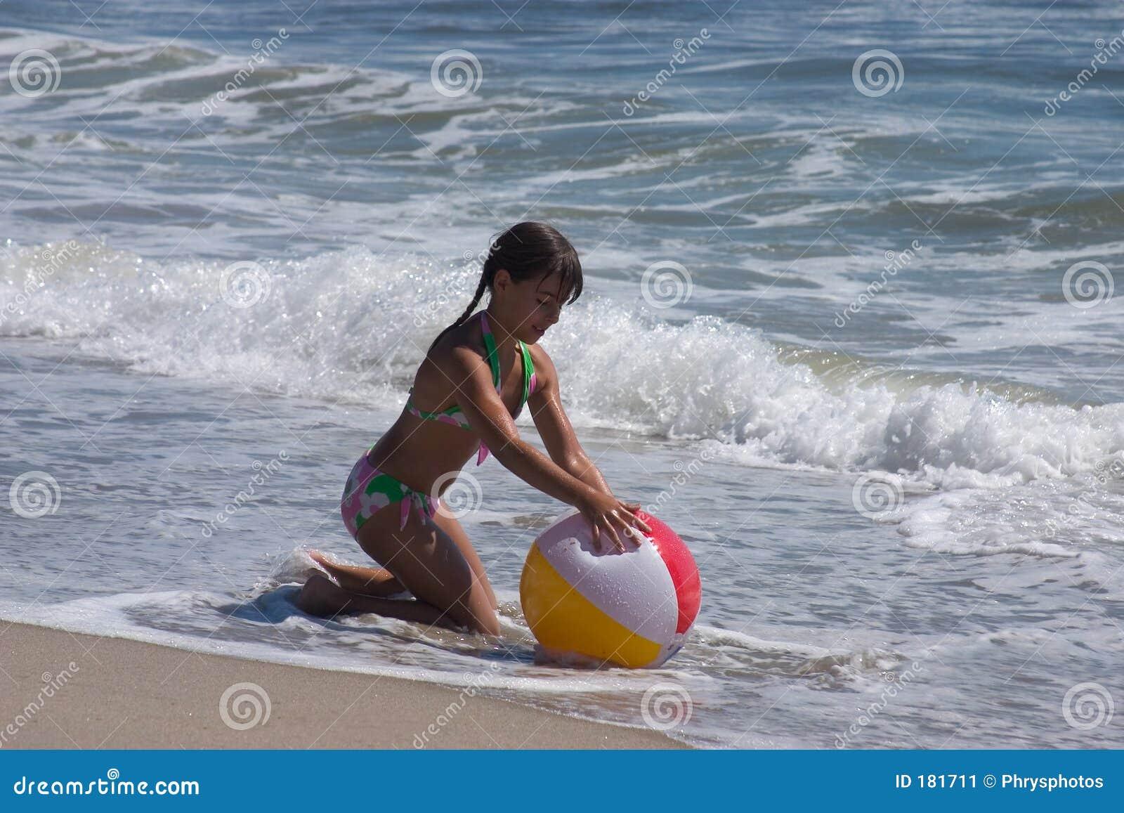 Giocando alla spiaggia