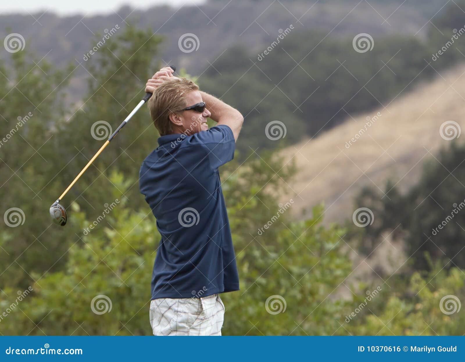 Giocatore di golf a rivestimento dell oscillazione