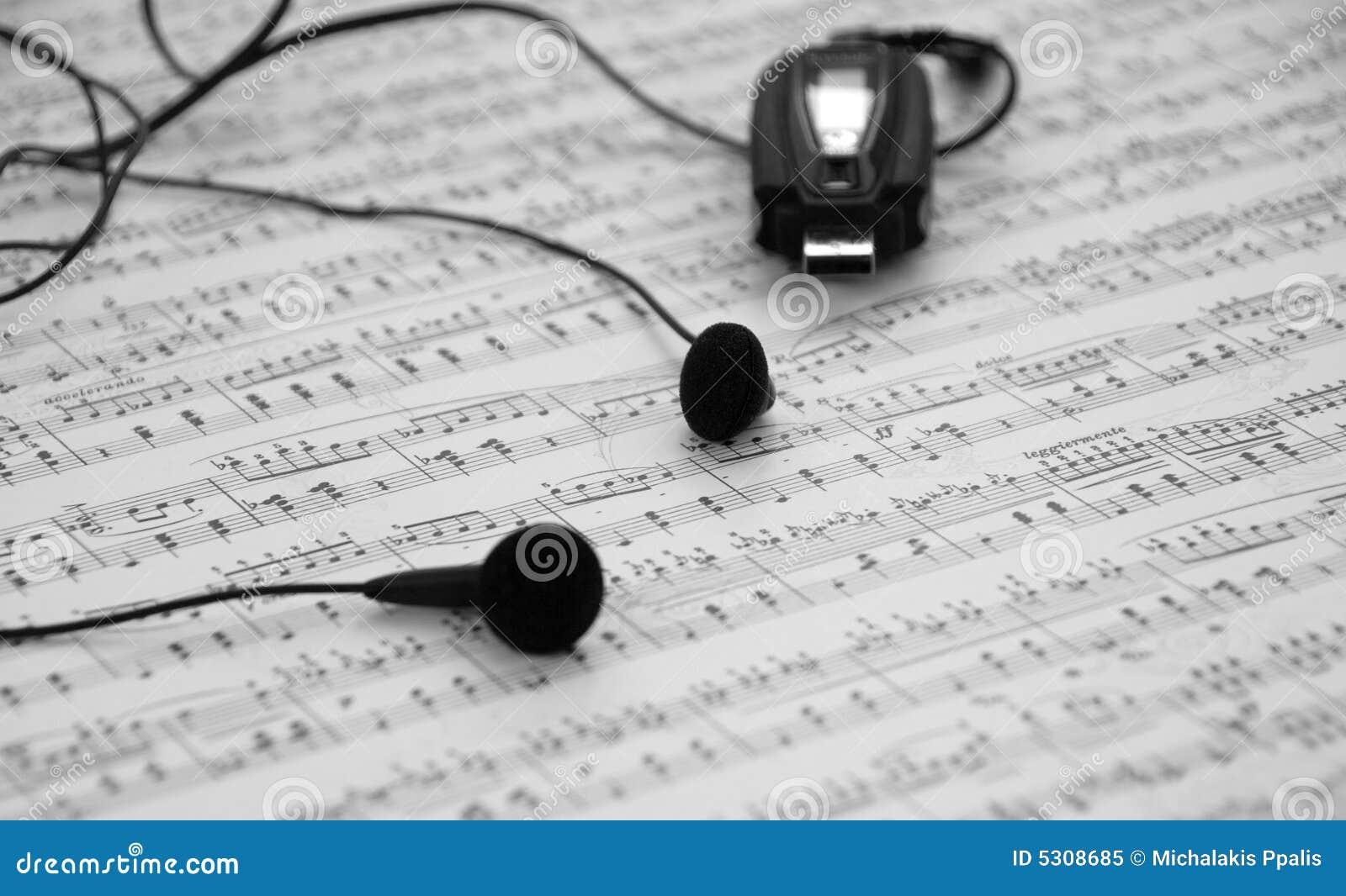 Download Giocatore Mp3 E Trasduttori Auricolari Immagine Stock - Immagine di melodic, earphone: 5308685