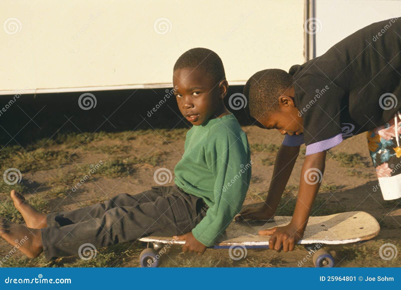 Gioco dei bambini del African-American