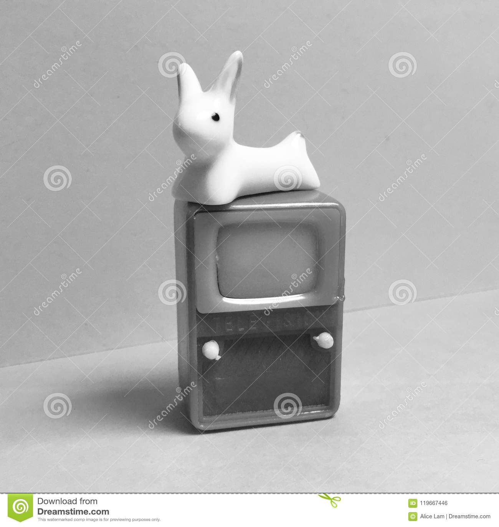 Gioco di parole di rappresentazione dell antenna delle orecchie di coniglio retro TV