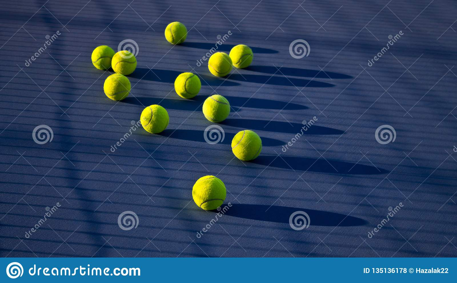 Gioco di tennis Pallina da tennis sul campo da tennis