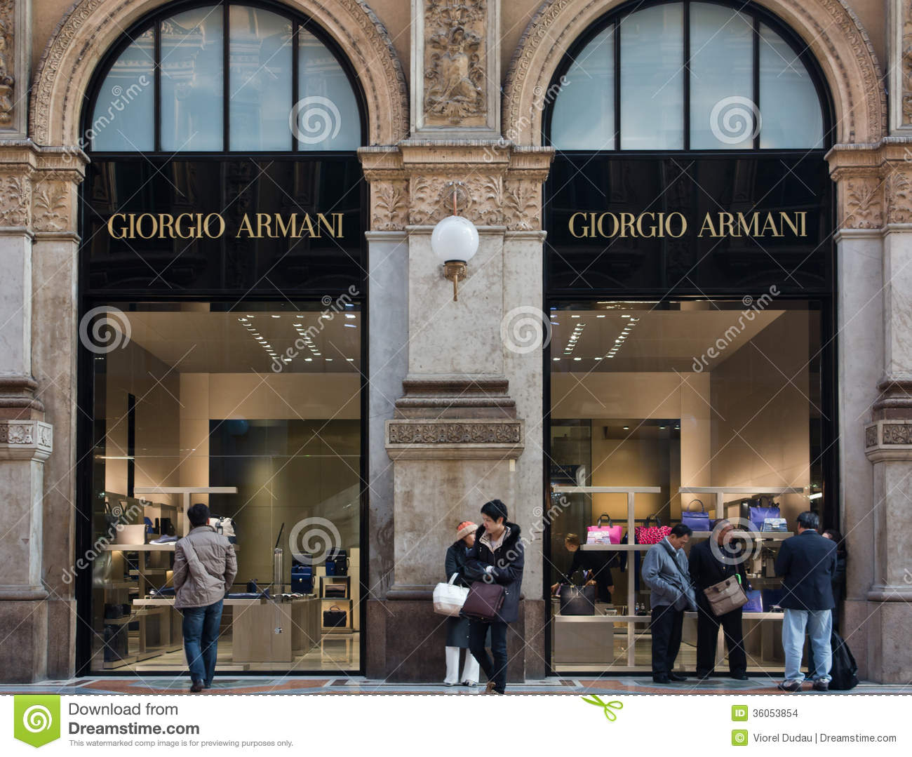 Giorgio armani shop editorial stock image image of luxury for Armadi outlet milano