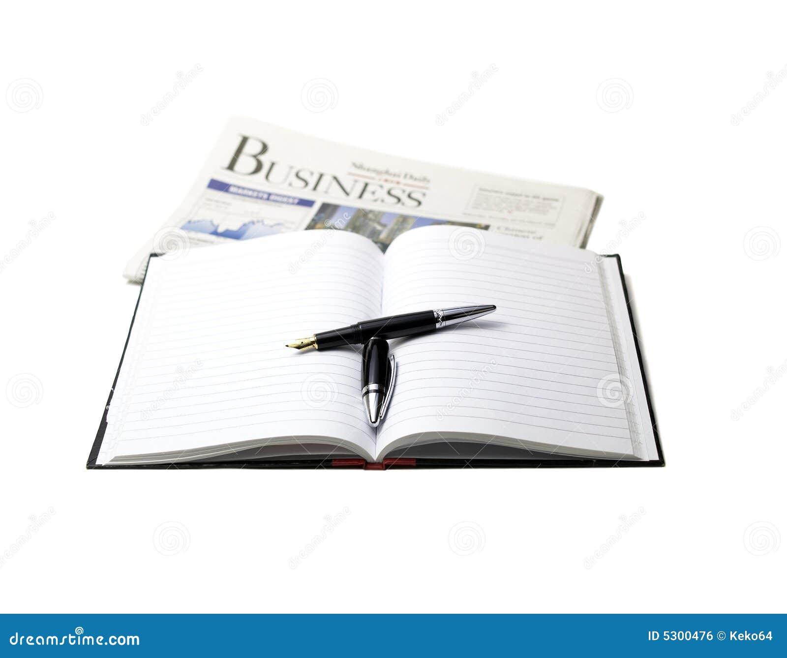 Download Giornale, penna e taccuino fotografia stock. Immagine di macro - 5300476