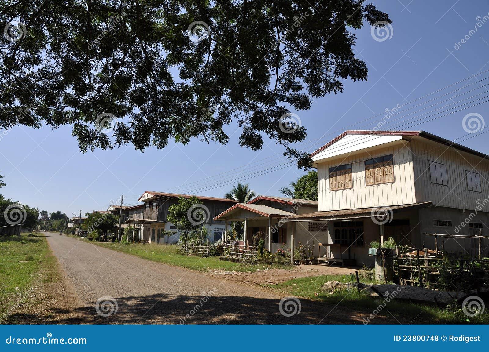 Giorno della strada della casa di campagna della tailandia for Planimetrie della casa di campagna francese