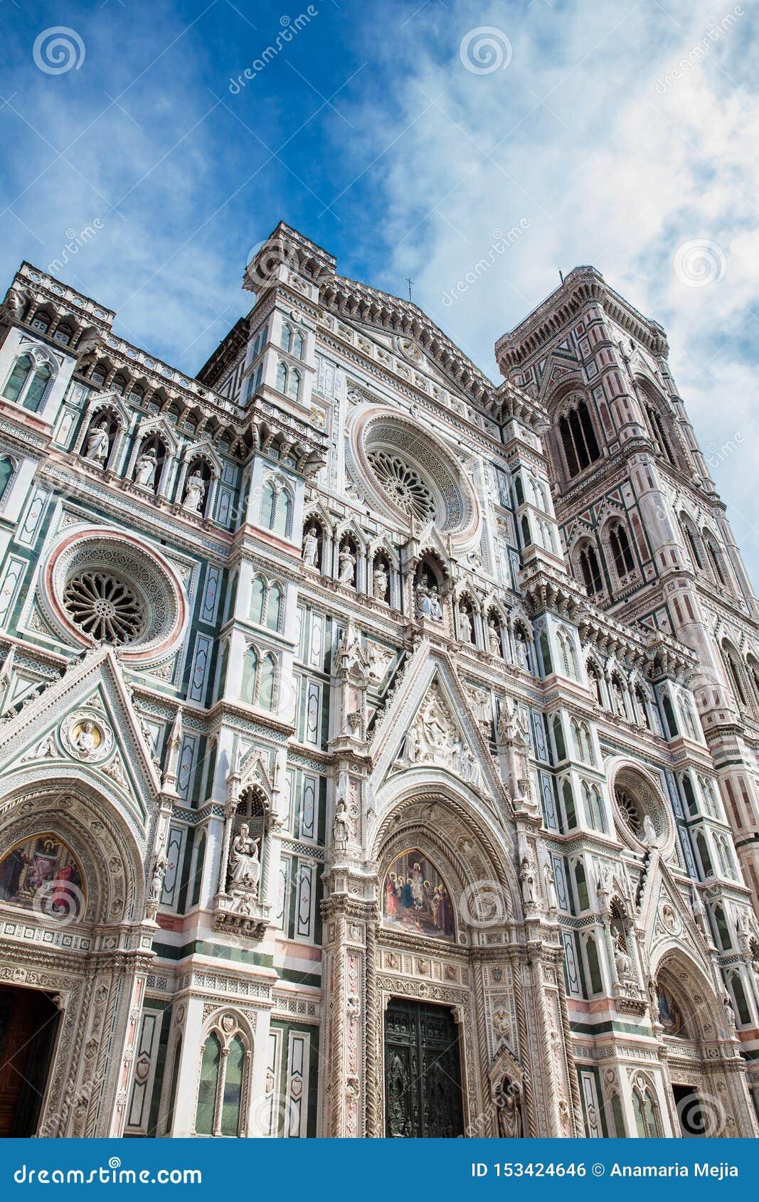 Giotto Glockenturm und Florence Cathedral widmeten im Jahre 1436