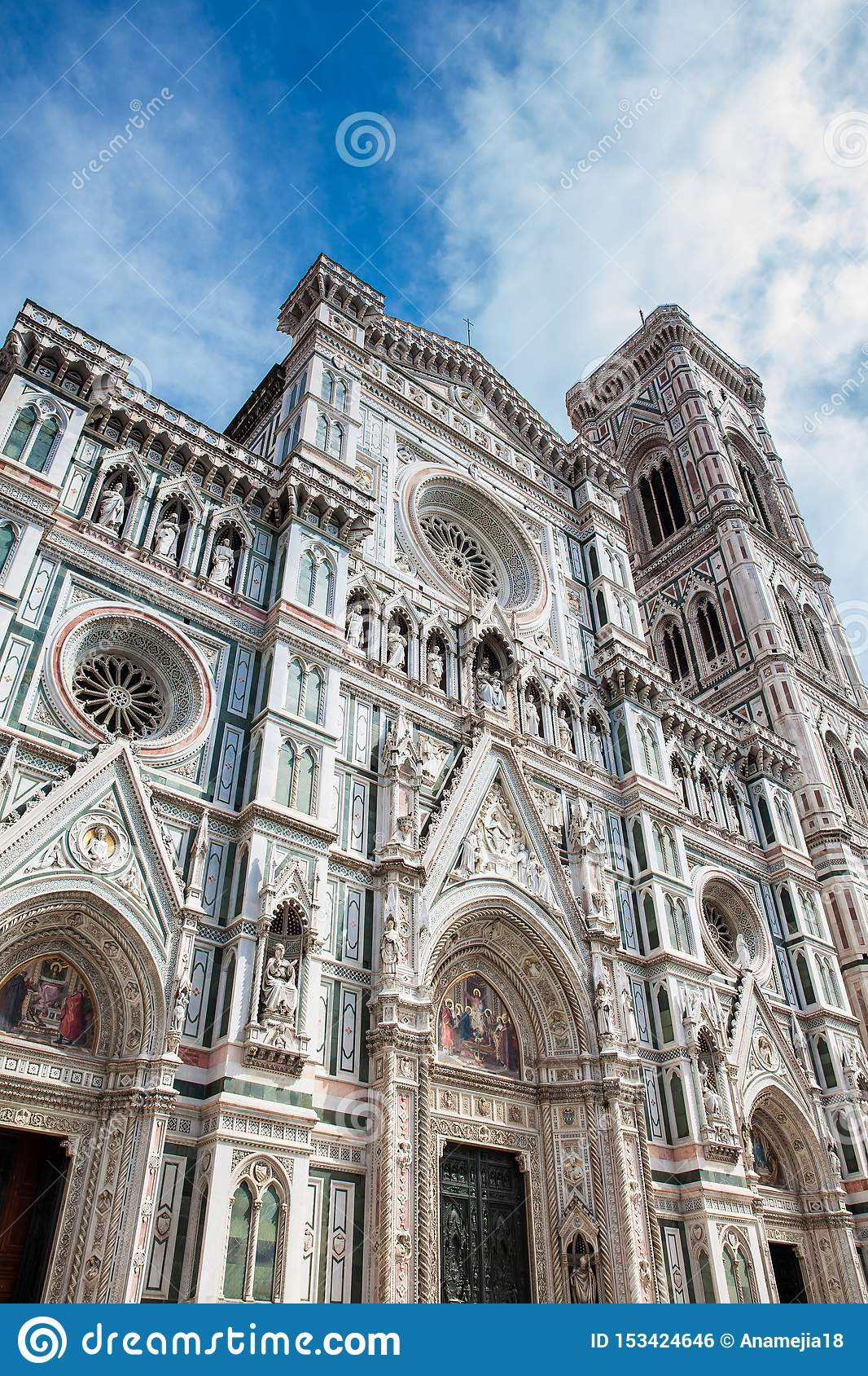 Giottocampanile en Florence Cathedral in 1436 wordt gezegend die