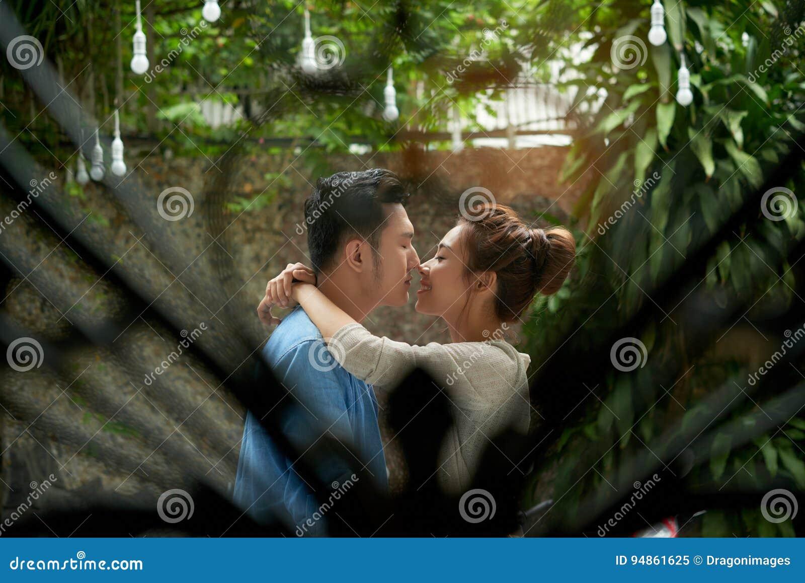 Giovane amore segreto