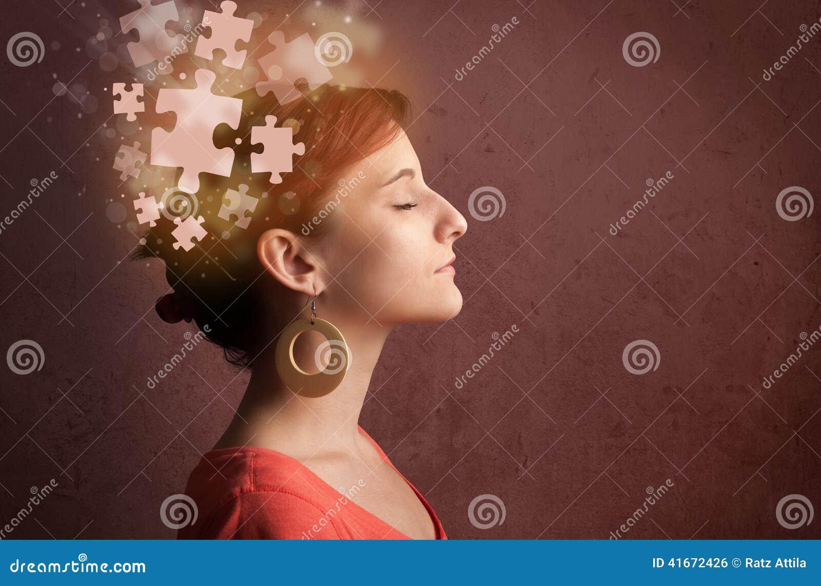 Giovane che pensa con la mente d ardore di puzzle