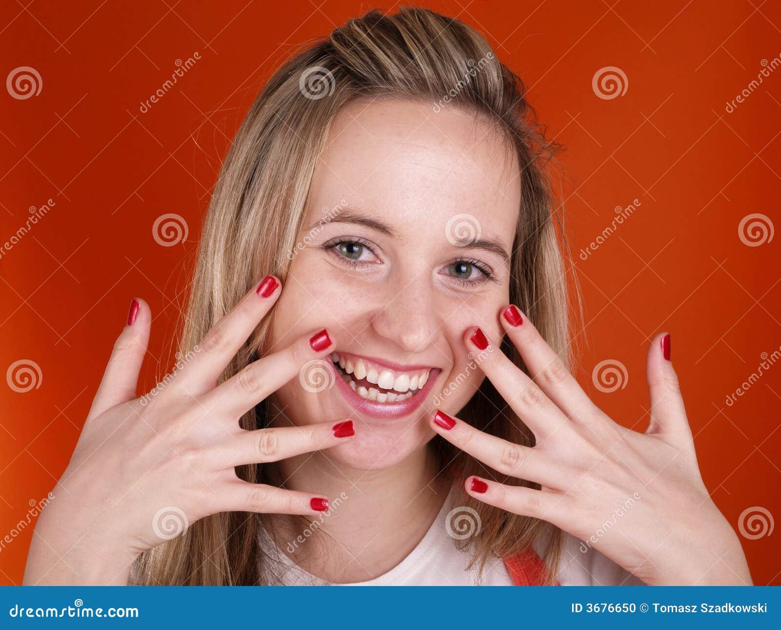 Download Giovane Donna Con Le Barrette Sopra Il Suo Fronte Fotografia Stock - Immagine di umano, manicure: 3676650