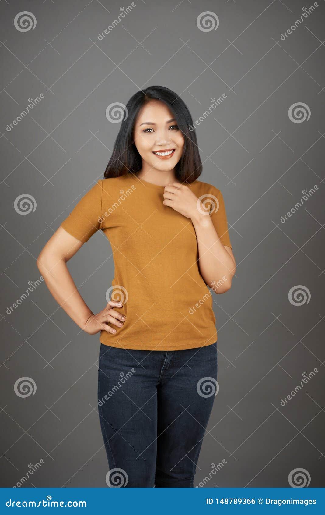 Giovane donna vietnamita graziosa