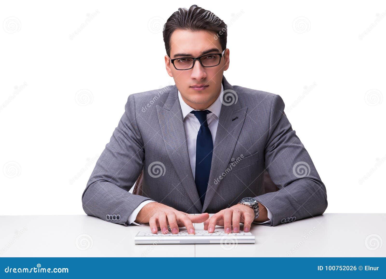 Giovane uomo d affari che scrive su una tastiera isolata sul backgro bianco