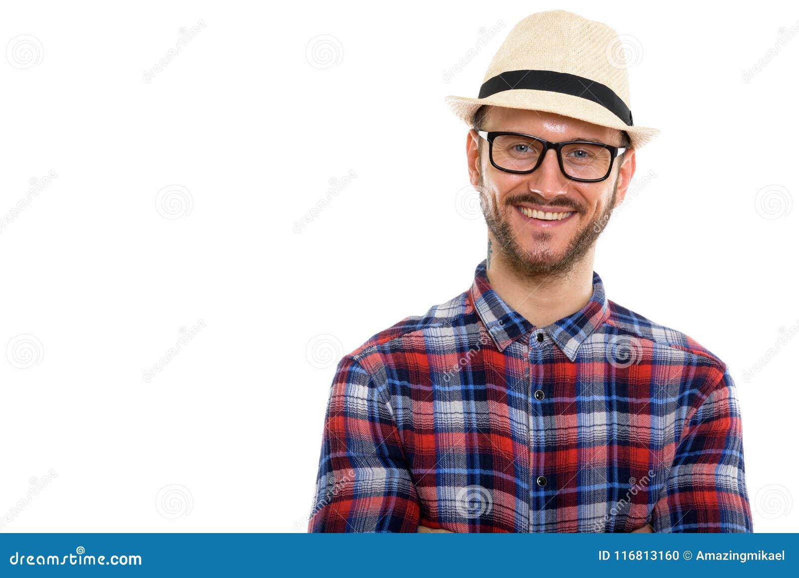 Giovane uomo turistico barbuto bello pronto per la vacanza