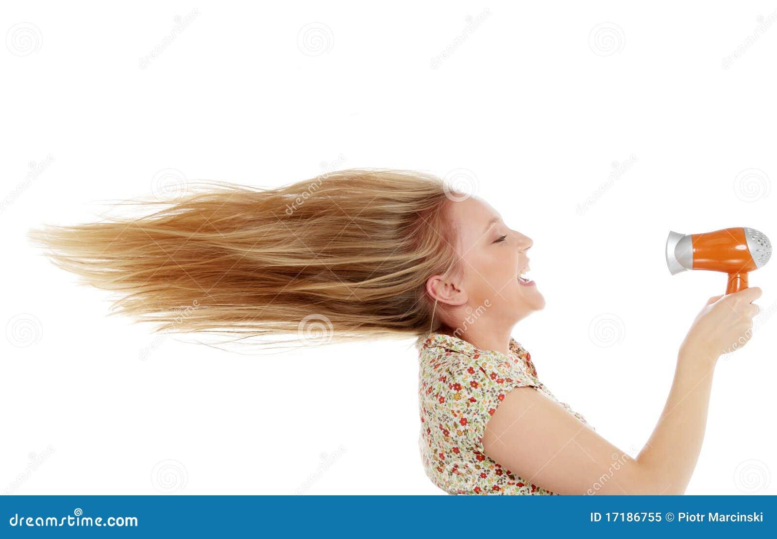 Giovani capelli di secchezza femminili