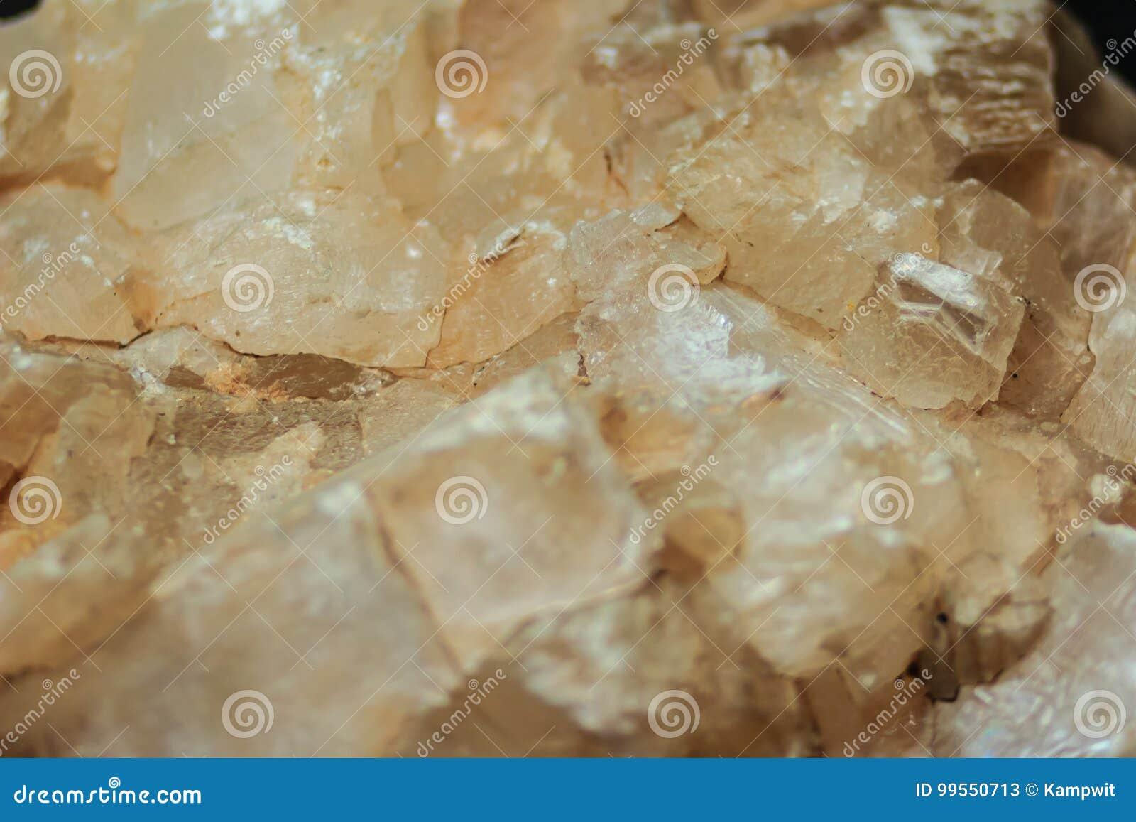 Gipsowy blaszkowaty przyzwyczajenie lub blaszkowaci kryształy gips kołysamy specim