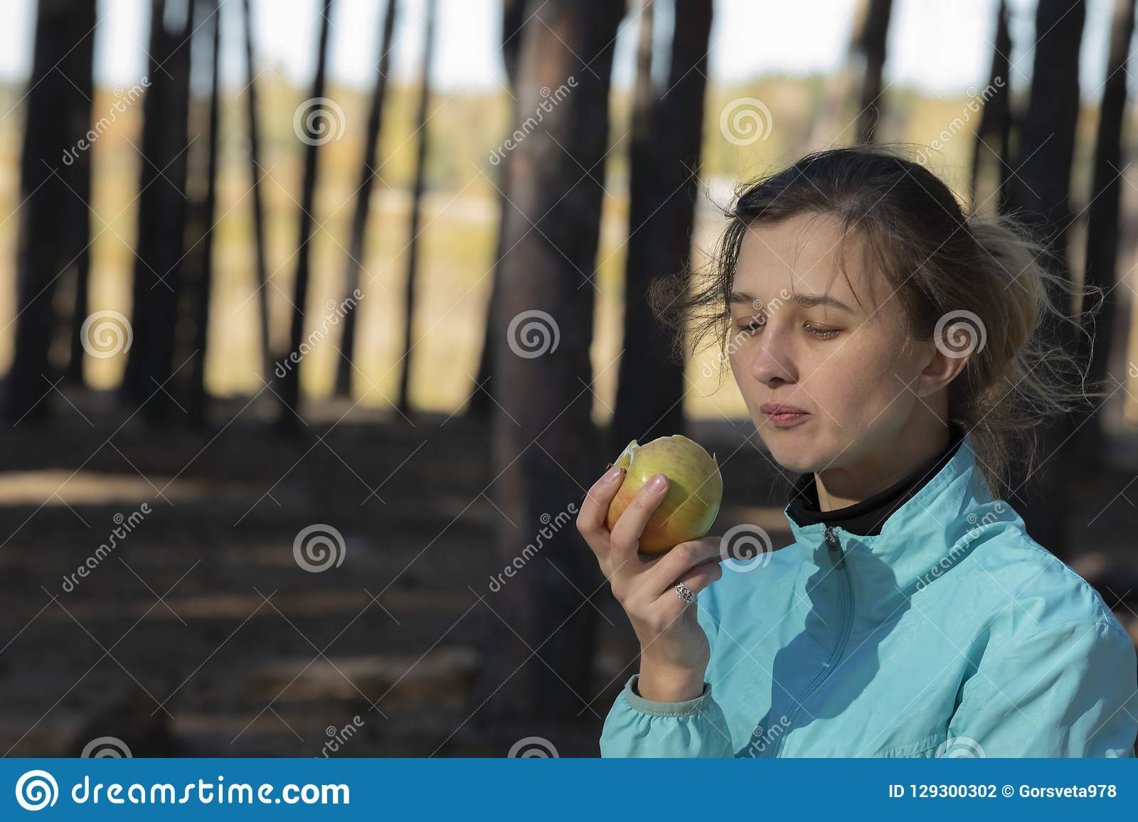 Girl,apple, fitness, outdoors,natural