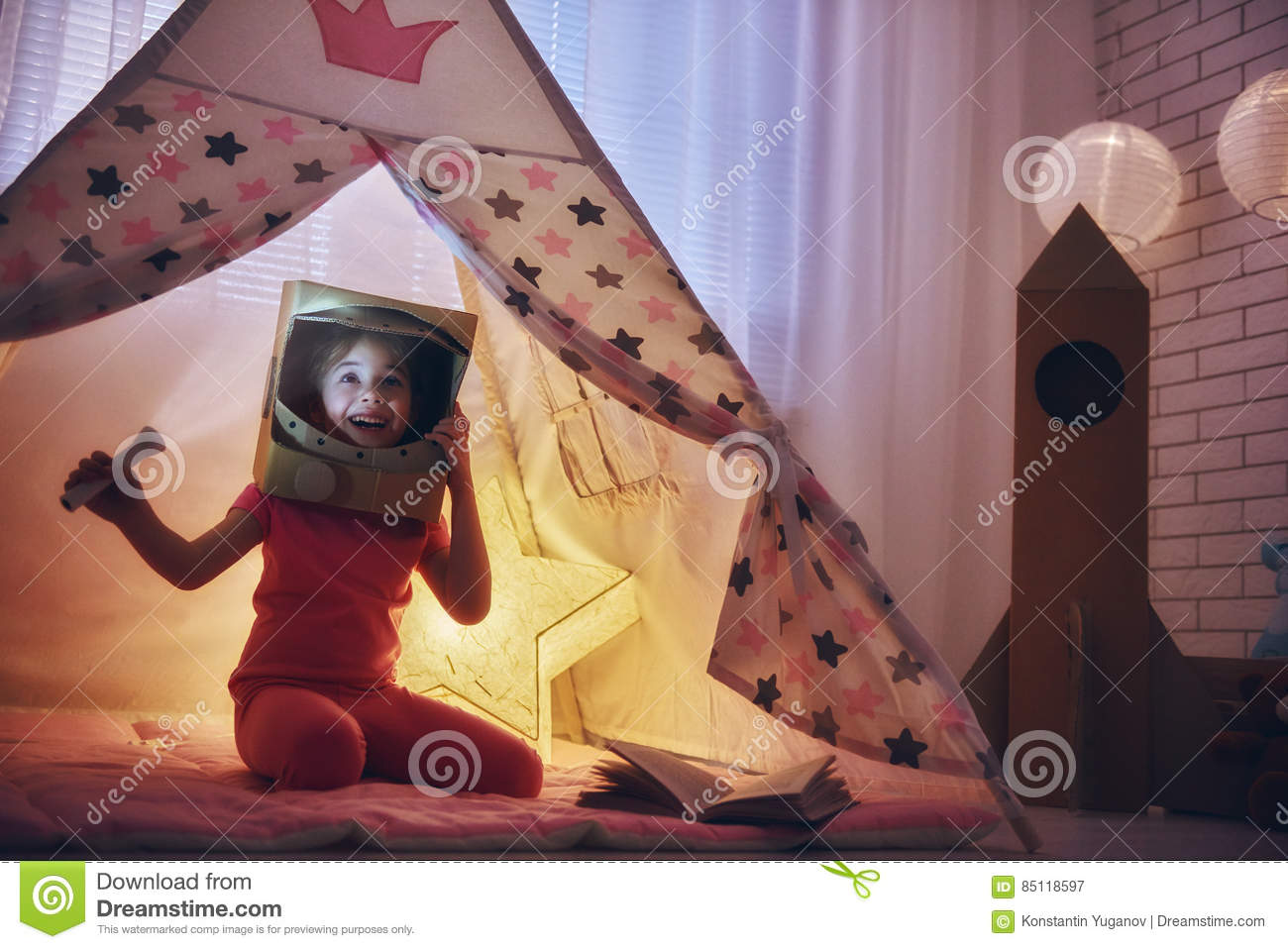 https://thumbs.dreamstime.com/z/girl-astronaut-costume-child-playing-dreaming-becoming-spacemen-happy-kid-plays-tent-funny-lovely-having-fun-85118597.jpg