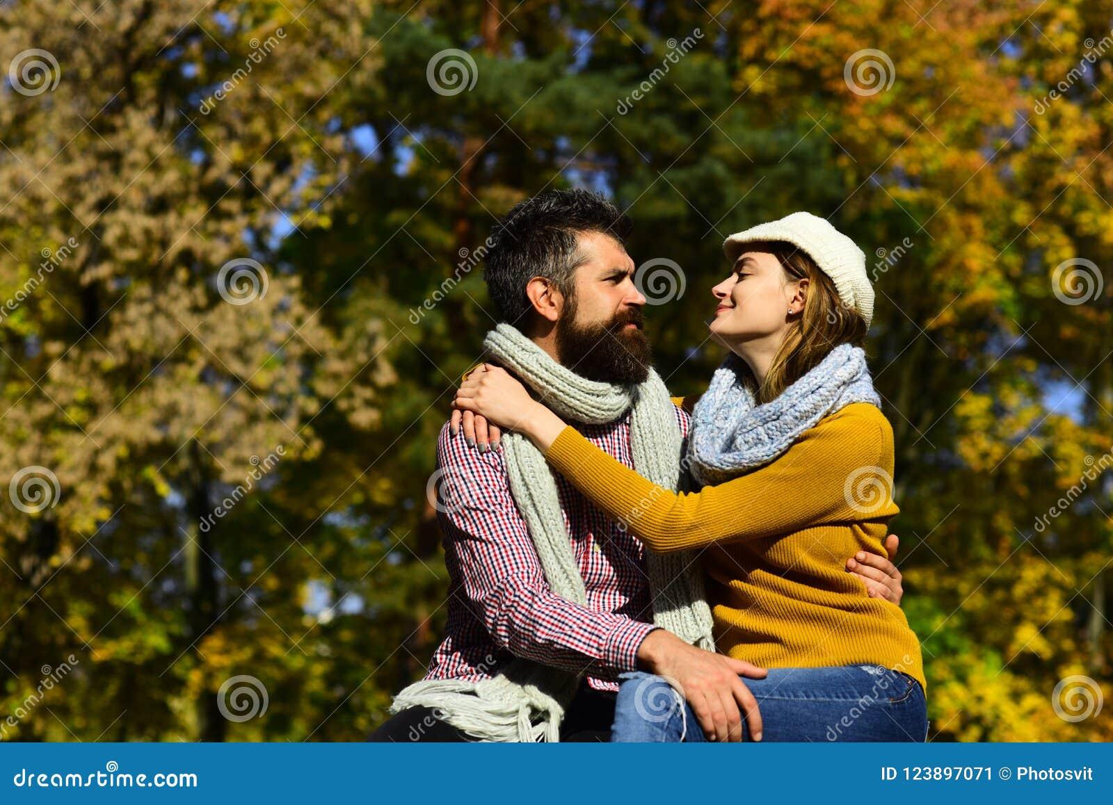 Bearded guys dating girls