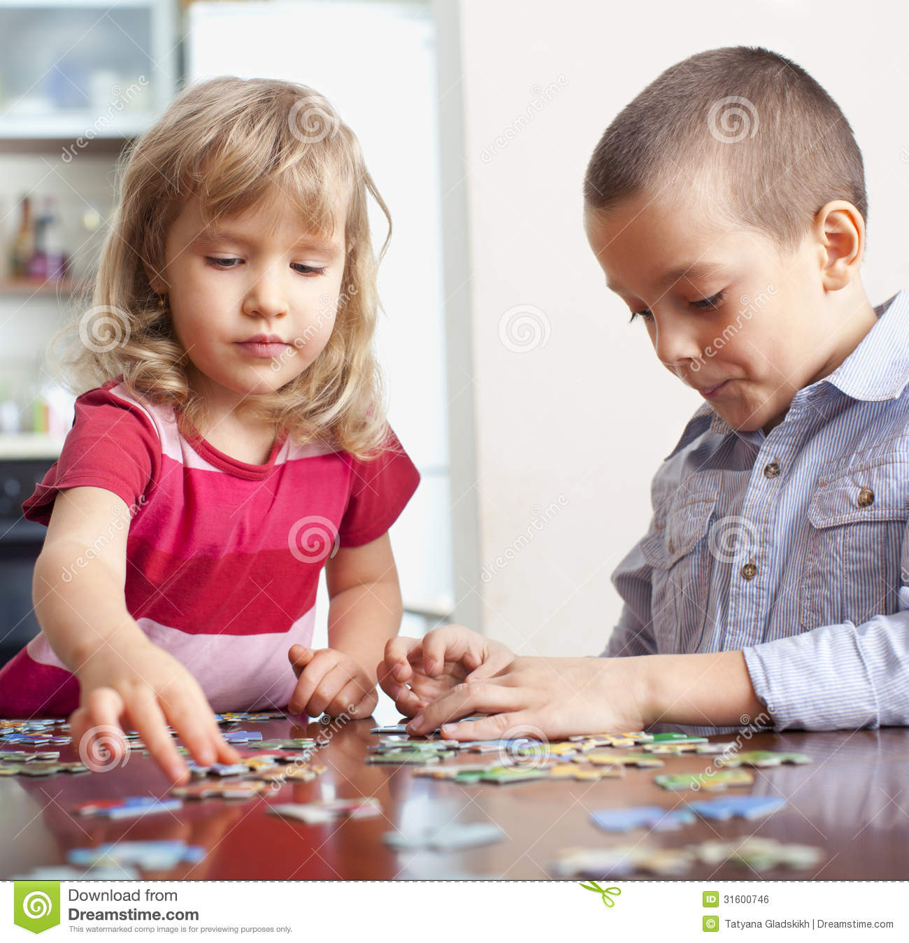 Family Playing Together Clipart Girl And Boy Playing P...