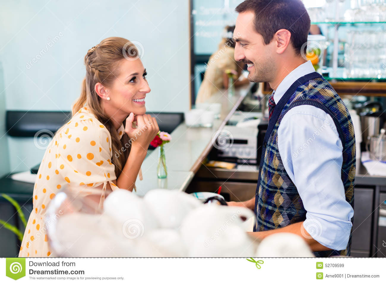 how to tell if a barista is flirting