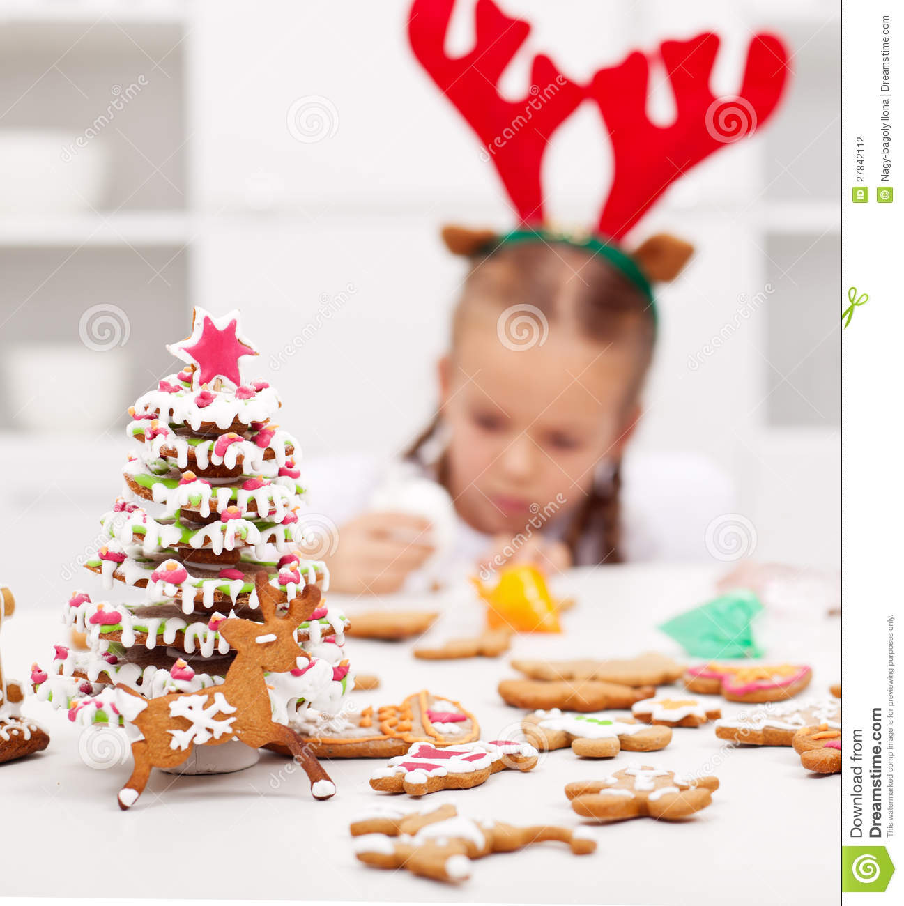 Girl Decorating Gingerbread Cookies Stock Photography ...