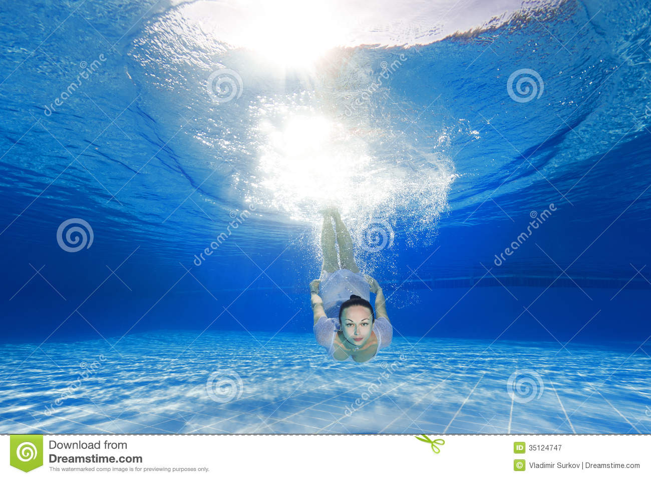 Girl Diving In The Pool Royalty Free Stock Photography Image 35124747