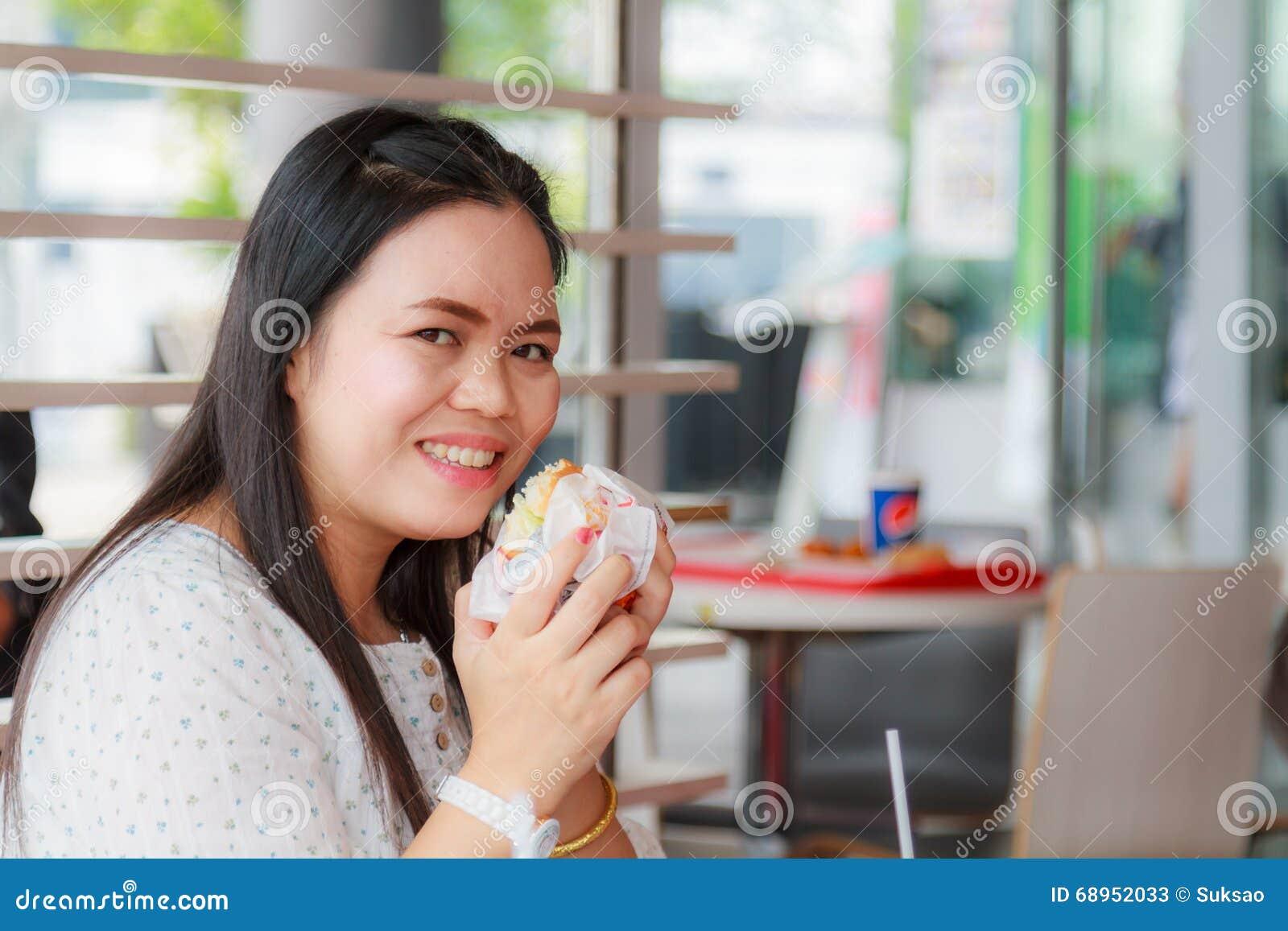 Girl Eat Hamburger
