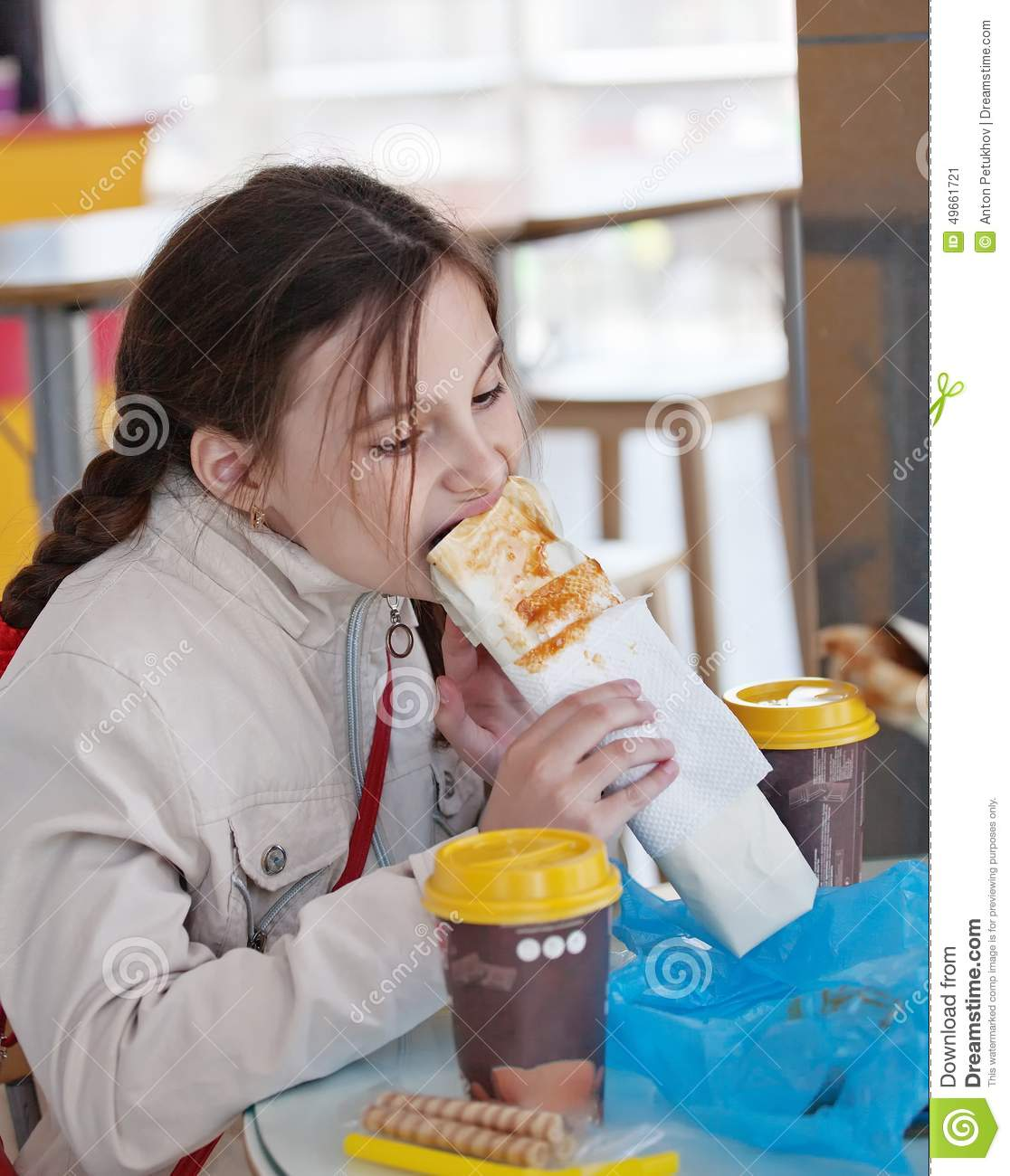 hot girls eating discharge