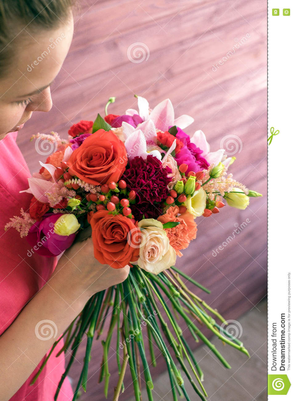 Girl Florist Making A Wedding Bouquet Stock Image - Image of green ...