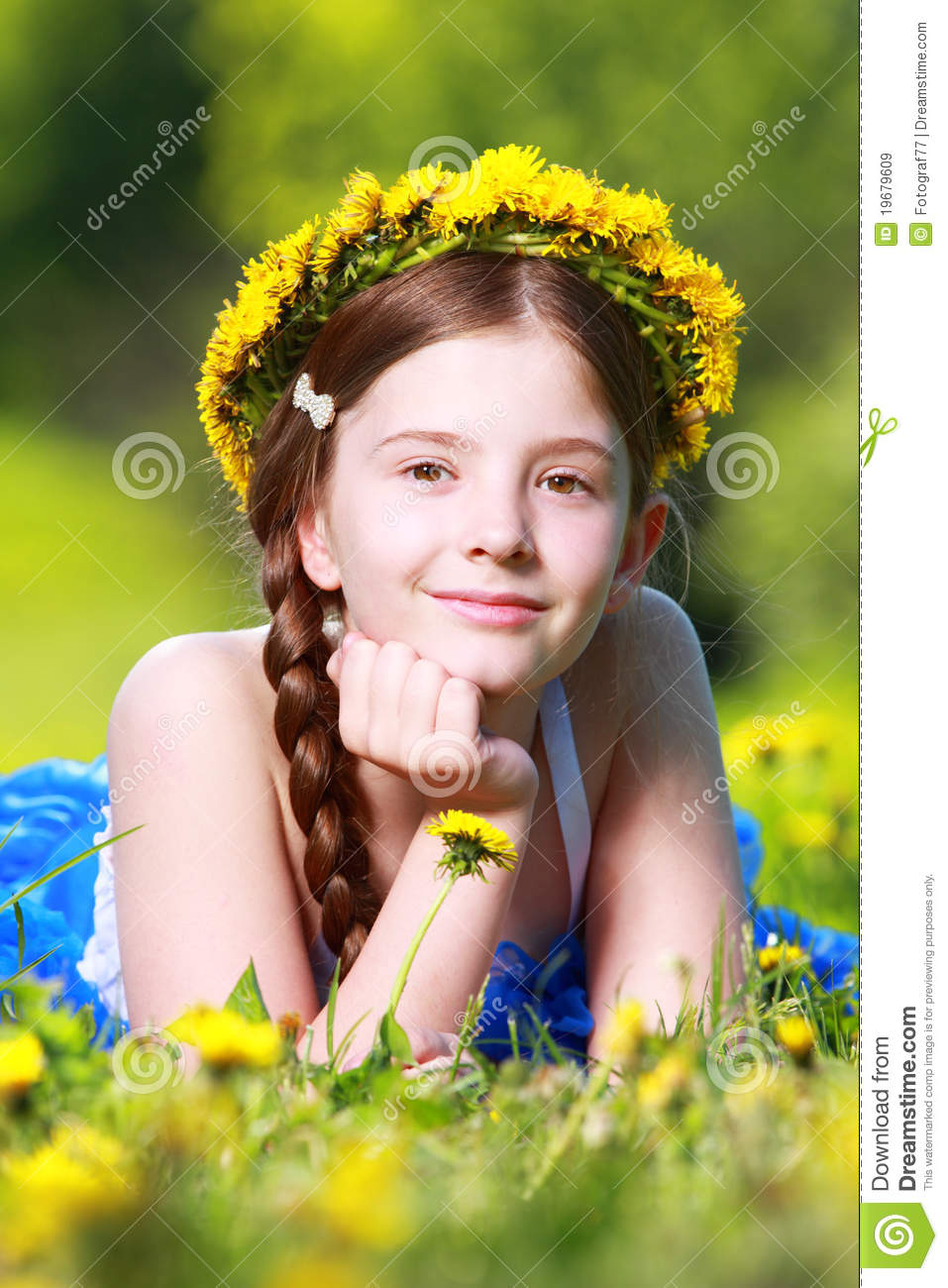 Girl With Flower Crown Stock Photo 19679609 Megapixl