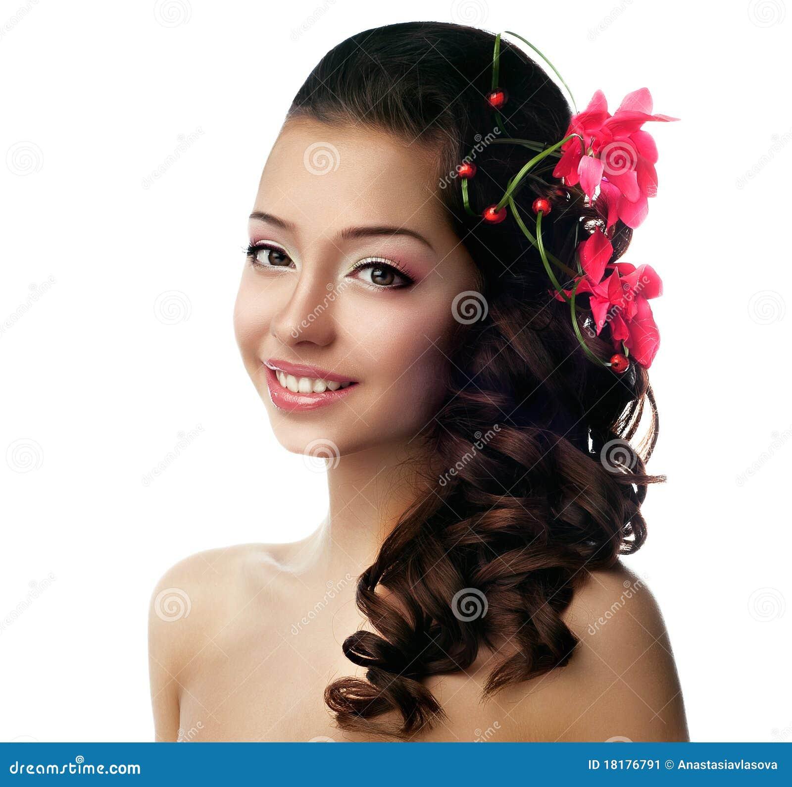 flower in her hair - photo #15