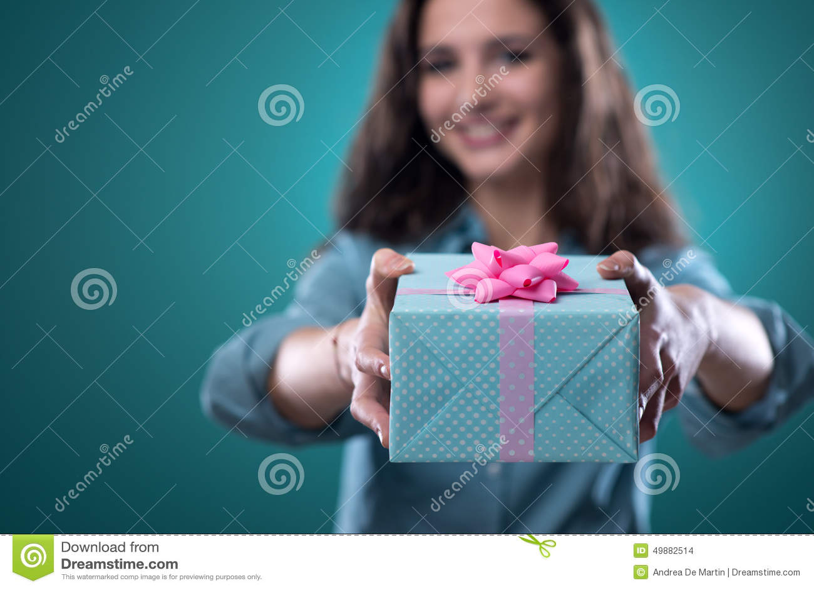 Как дарить подарки девушке? - allWomens