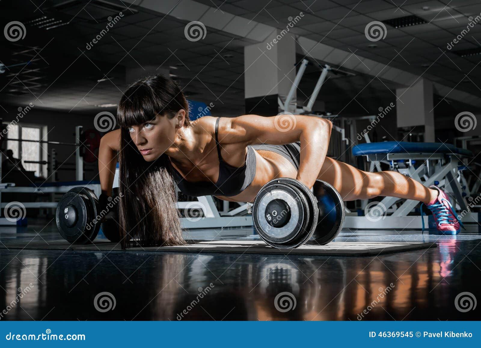 Фото девушек в фитнес зале 2 фотография