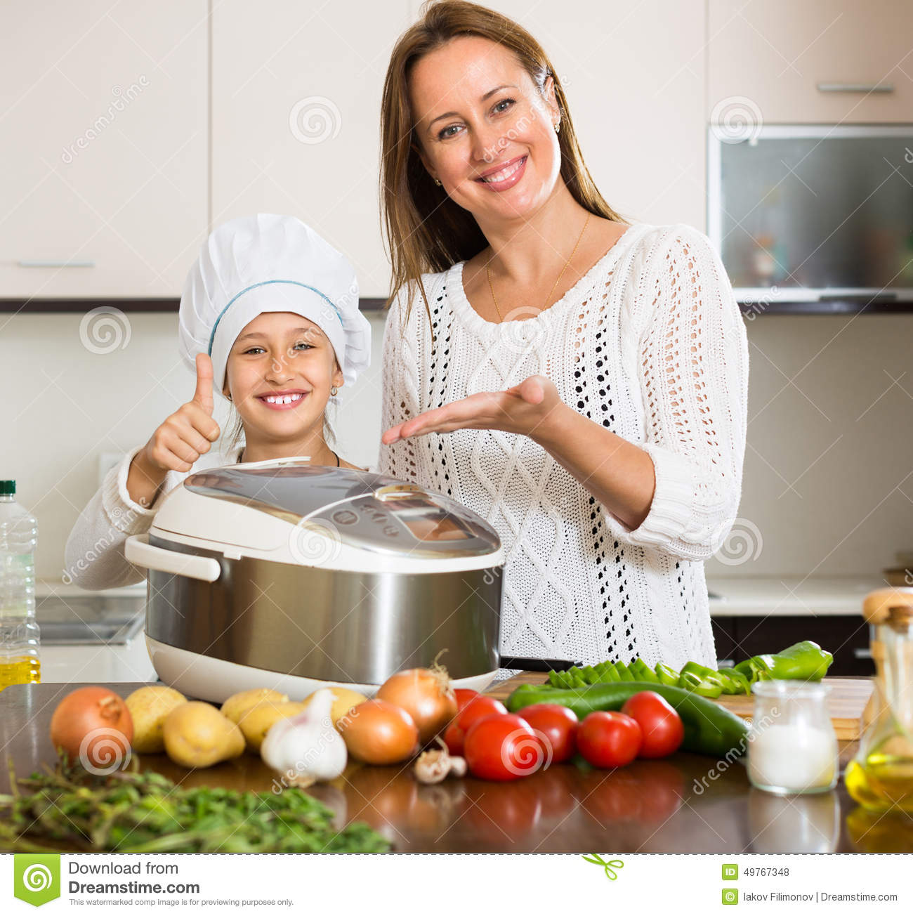essay on helping mother in kitchen A kitchen garden produces fresh fruits, vegetables and herbs for delicious,  healthy meals here's what you need to know to start a kitchen garden.