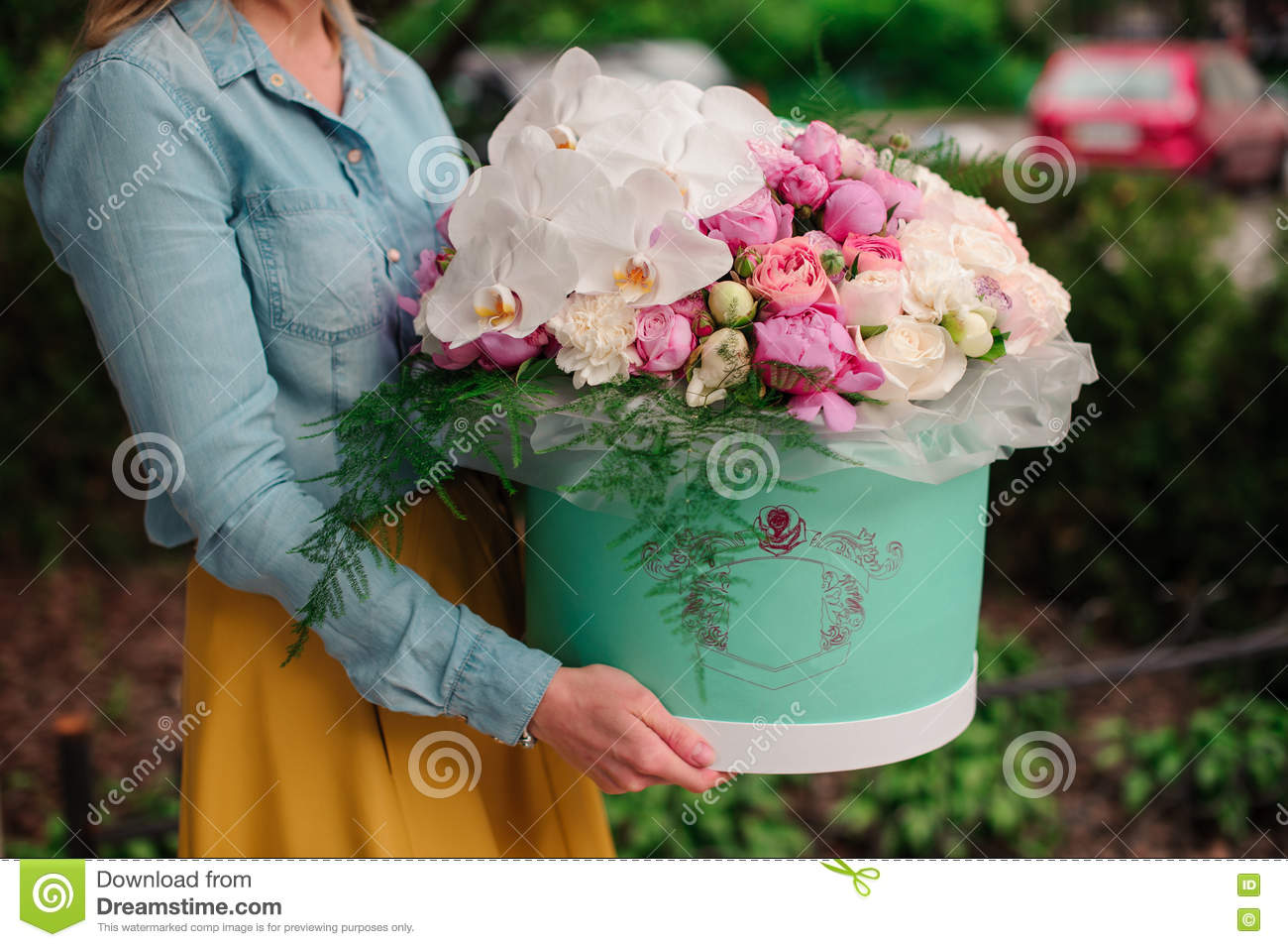Girl Holding Beautiful Mix White And Pink Flower Bouquet In Round Box With Lid Stock Image Image Of Color Design 73365721