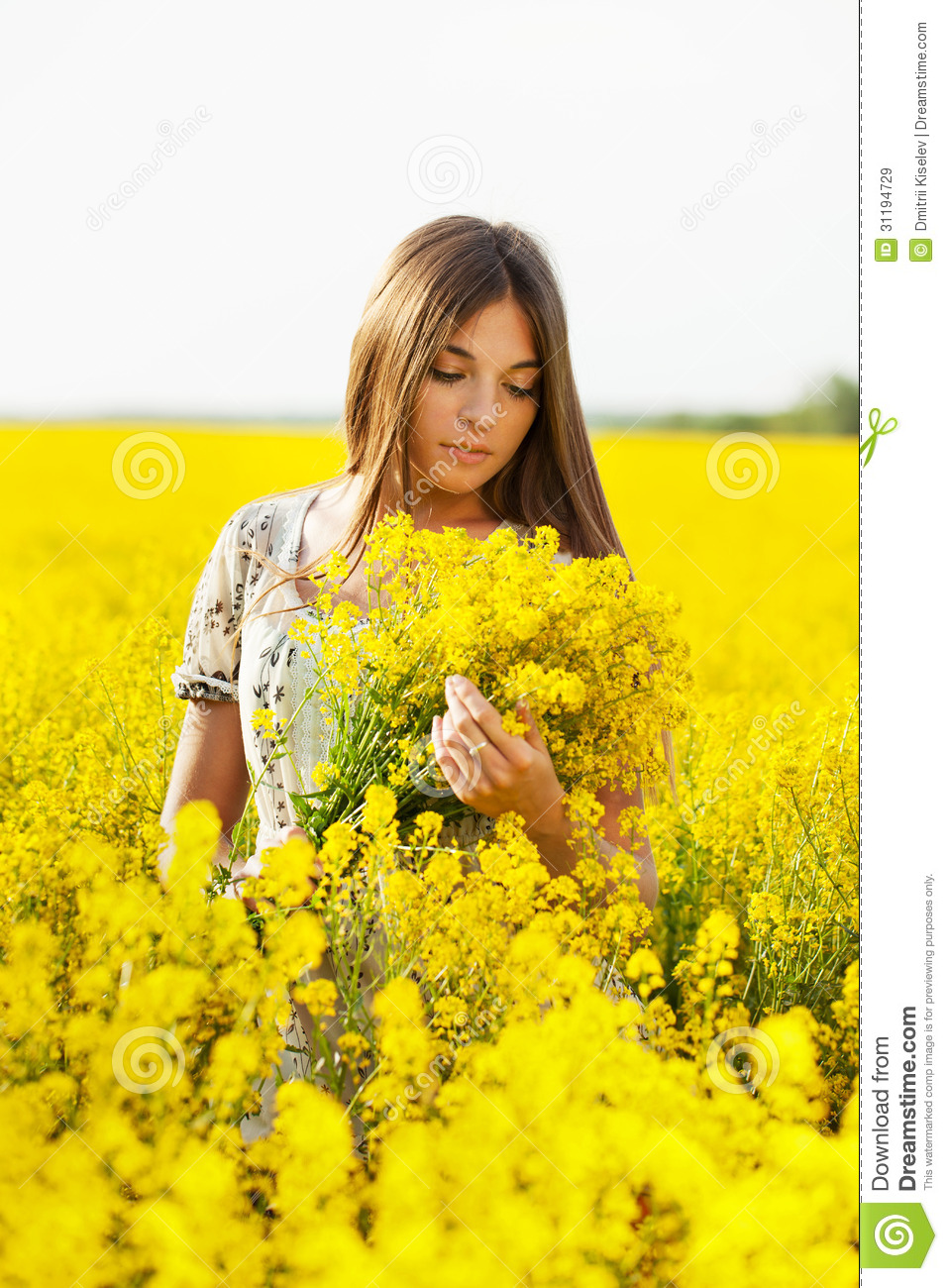 Girl Holding A Bouquet Of Yellow Flowers Stock Image Image Of