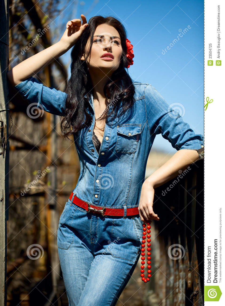 Video Girl Dress: Girl In Jumpsuit Royalty Free Stock Photo