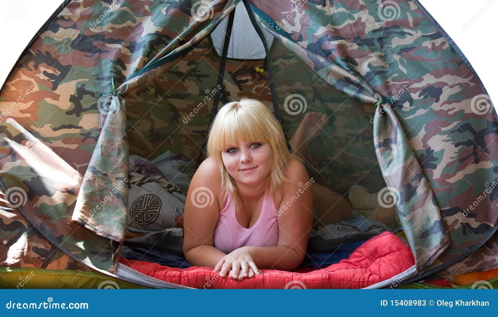Фото девок в палатке 10 фотография
